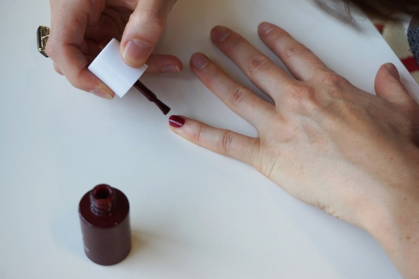 Le Mini Macaron Your Step By Guide To Perfect Nails